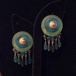 Cool VTG green artisan glass clip on earrings